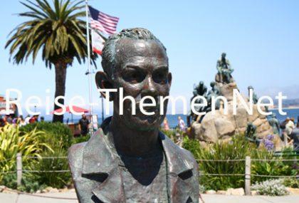 Steinbeck Plaza mit Steinbeck-Denkmälern in Monterey. - Foto Karsten-Thilo Raab